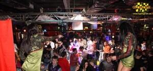 Гаражи ночной клуб москва клубы суббота